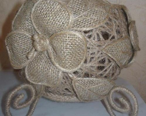 6023e762a205 Такими цветами можно украсить шкатулку, вазочку, кукольную шляпку. А можно  прикрепить их на проволочные ножки и собрать букет. Чтобы проволока не  бросалась ...